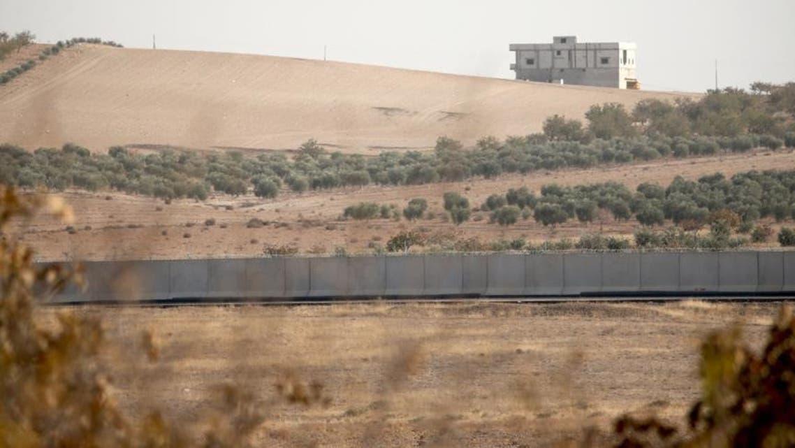 جدار على طول الحدود التركية السورية