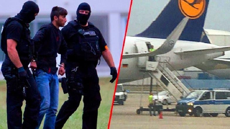 علي بشار معتقلا في مطار أربيل