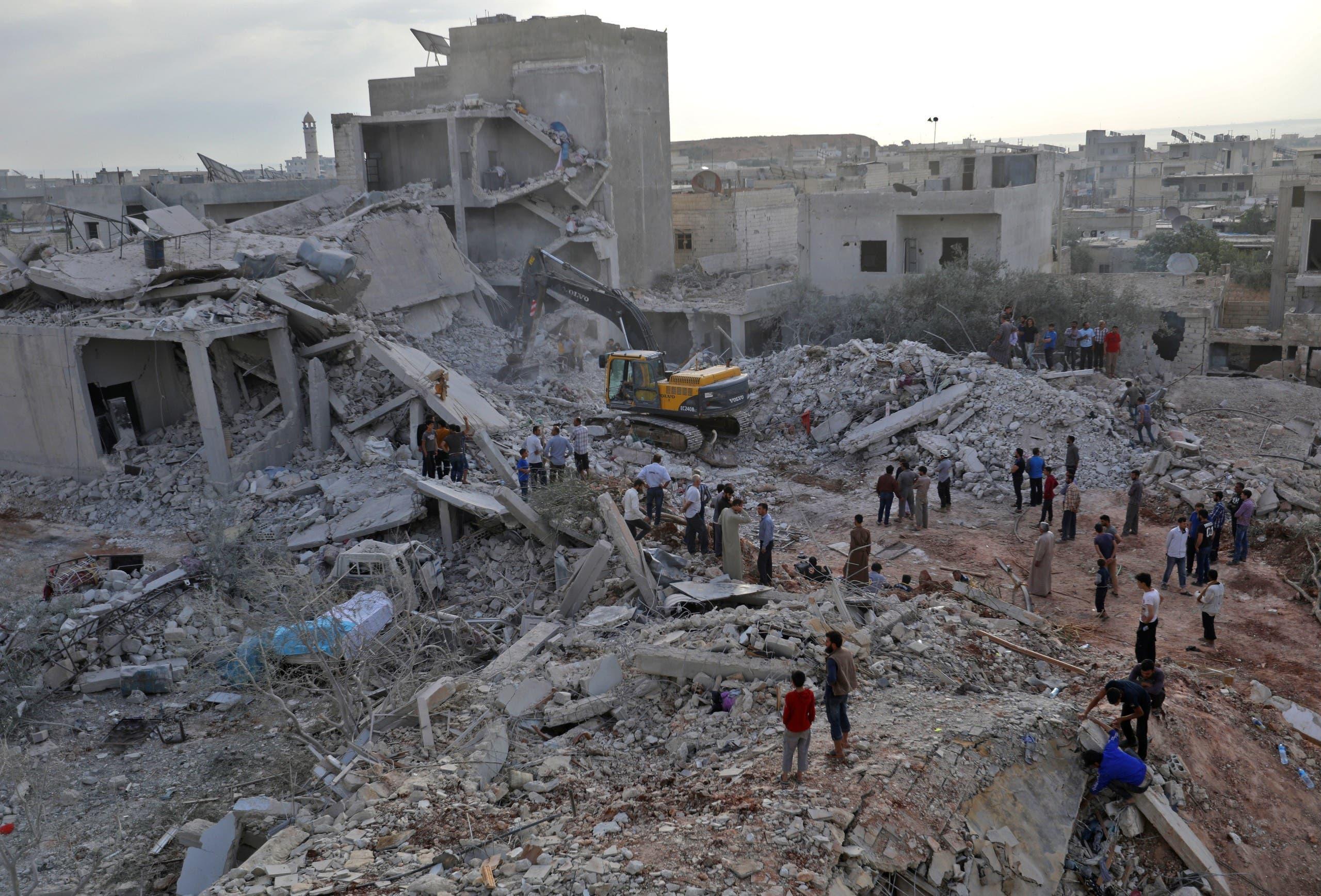 ویرانی در اثر بمباران هوایی زردنا در استان ادلب