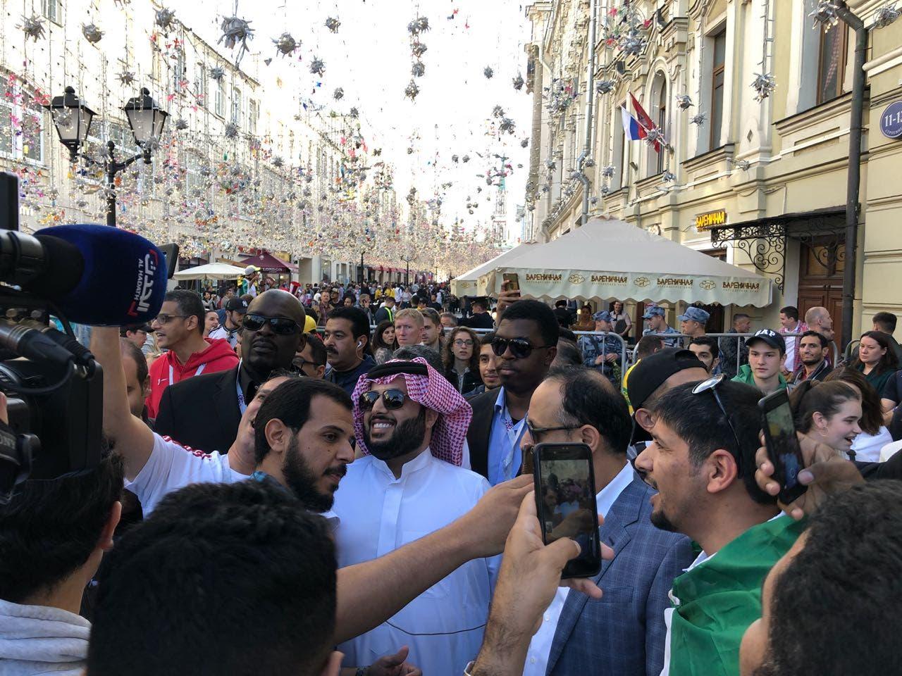 الجماهير السعودية إلى جانب الرئيس