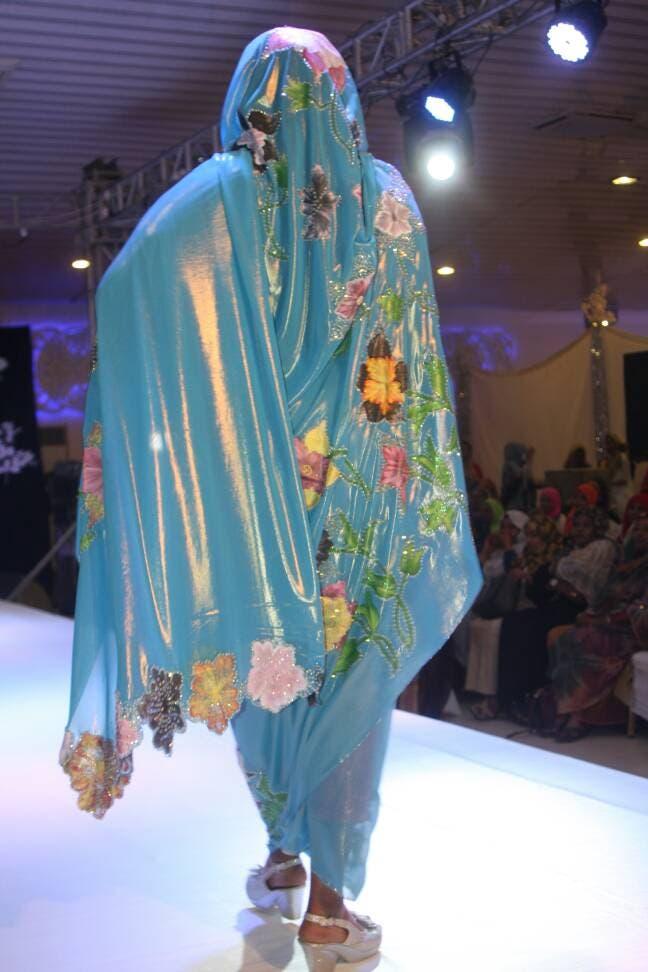 عروض الأزياء تثير جدلاً في السودان.. إليك التفاصيل
