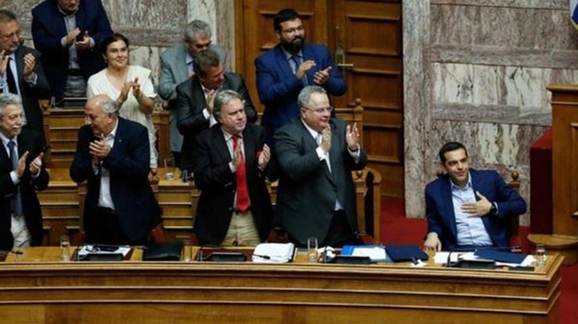 طرح عدم اعتماد به نخستوزیر یونان در پارلمان رای نیاورد