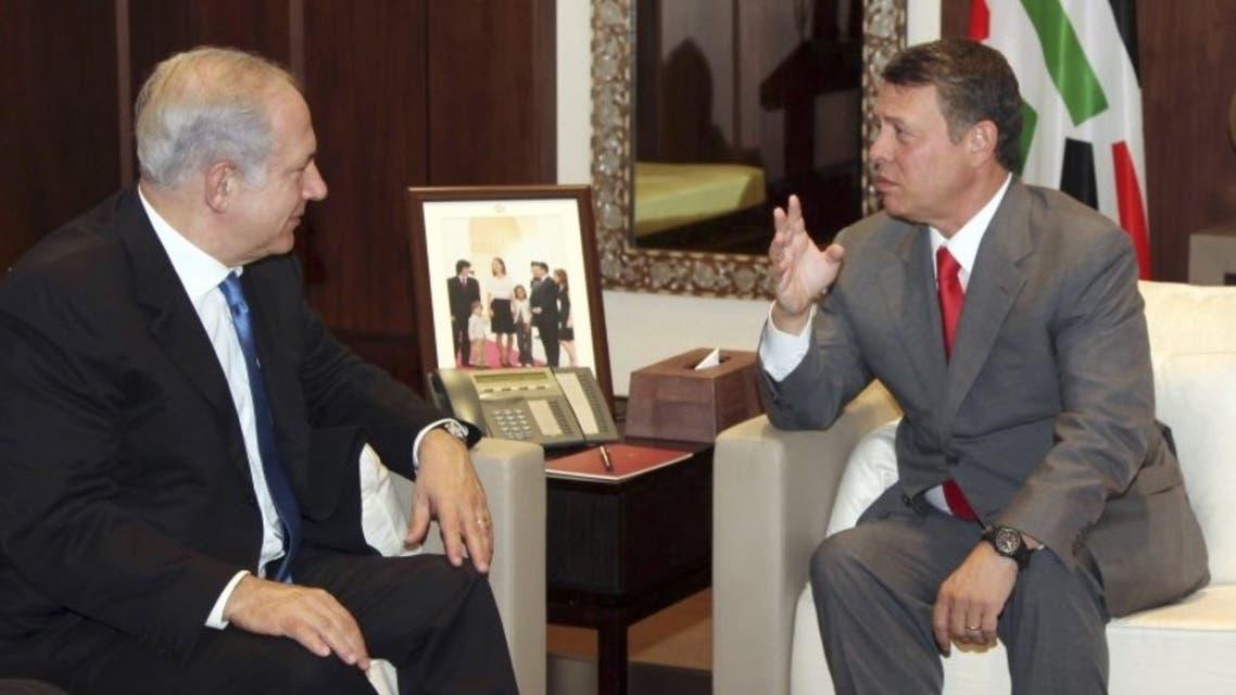 رئيس الوزراء الإسرائيلي بنيامين نتنياهو وعاهل الأردن الملك عبد الله في صورة من أرشيف رويترز