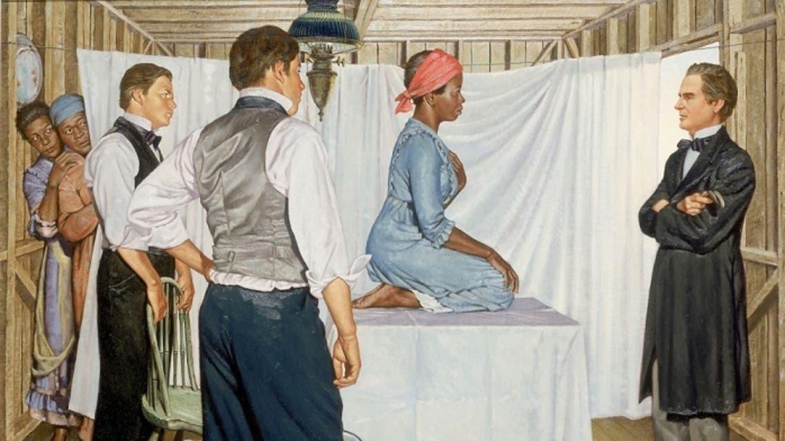 رسم تخيلي للطبيب سيمز أمام إحدى النساء من ذوي البشرة السوداء