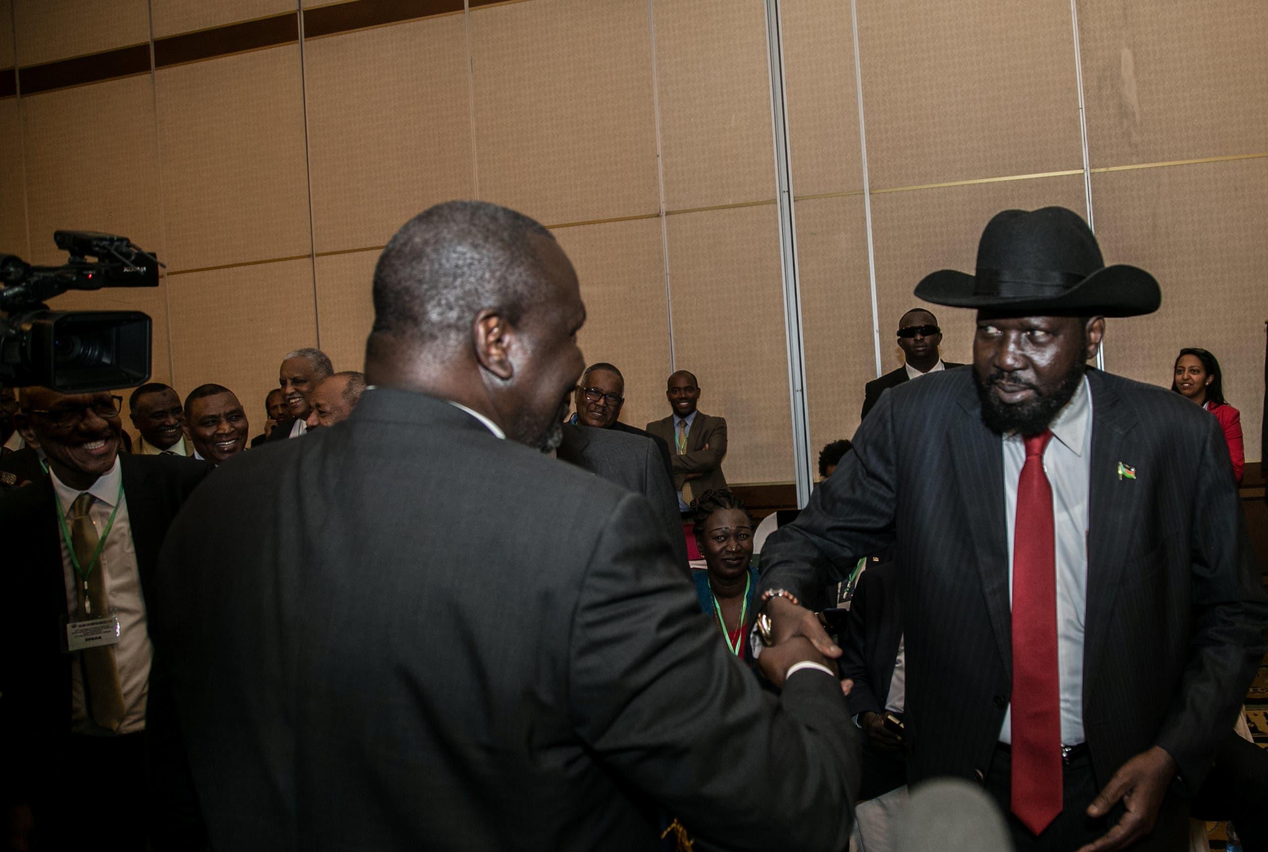 رئيس دولة جنوب السودان سلفاكير مع زعيم التمرد ريك مشار (أرشيفية)