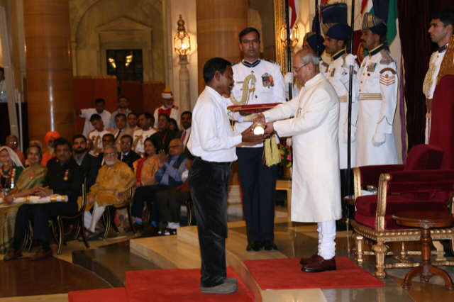 Haque receiving the Padma Shri from then President Pranab Mukherjee in March 2017. (Supplied)