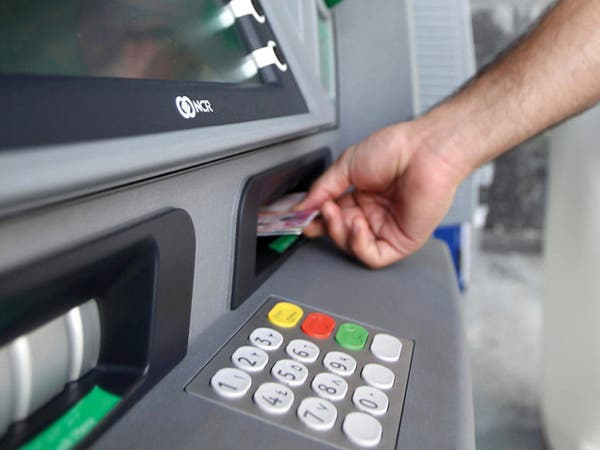 """""""الإمارات الإسلامي"""" يطلق خدمة """"السحب النقدي دون بطاقة"""""""