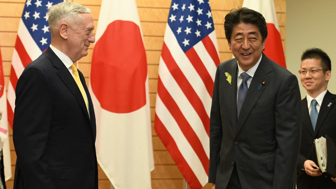 ماتيس ورئيس الوزراء الياباني شينزو آبي