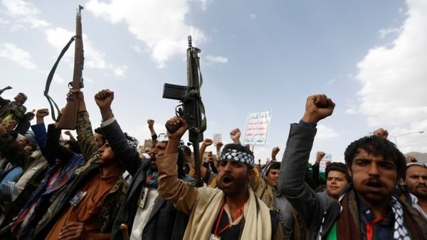 شقاق في صفوف قادة الحوثي يهدد بإفشال مهمة غريفيث بصنعاء