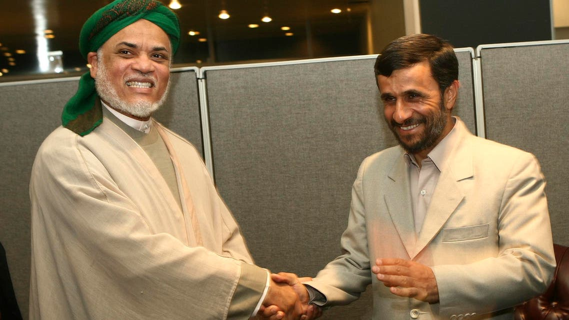 Comoros' President Ahmed Abdallah Mohamed Sambi shakes hands with Iran's President Mahmoud Ahmadinejad during a meeting at the 61st General Assembly of the United Nations at UN headquarters in New York September 20, 2006. (File photos: Reuters)
