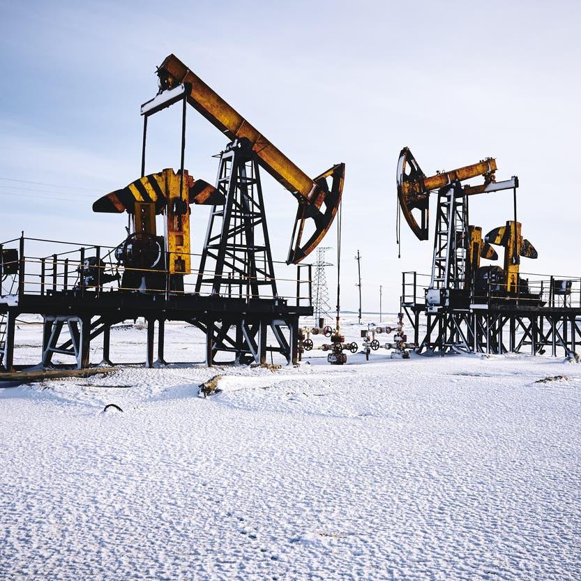 إنتاج روسيا النفطي يتراجع قرب هدف أوبك بلس