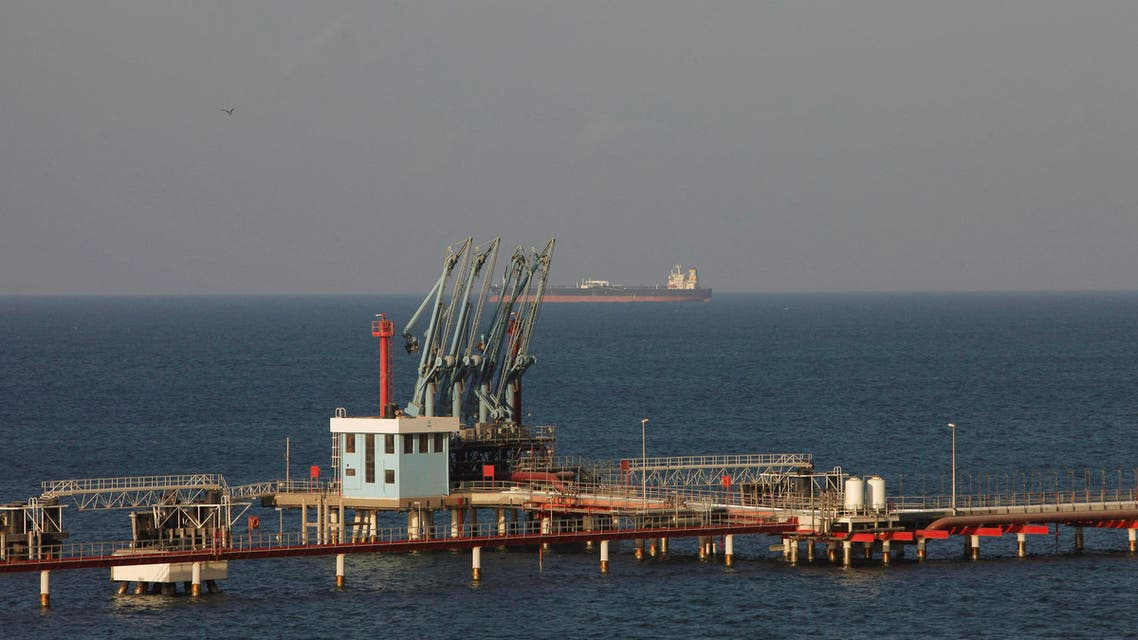 A view of pipelines and a loading berth of the Marsa al Hariga oil port in the city of Tobruk, east of Tripoli, Libya, August 20, 2013. REUTERS