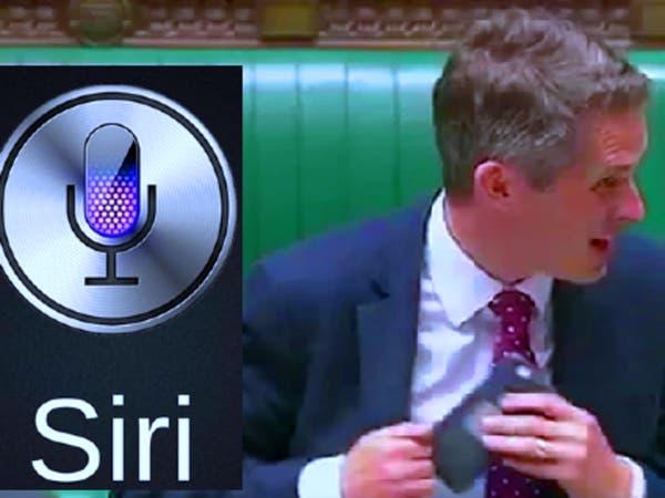 صوت غريب يخرج من وزير دفاع بريطانيا وهو يتحدث عن سوريا