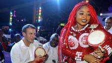 فيديو.. الرئيس الفرنسي في ملهى ليلي نيجيري