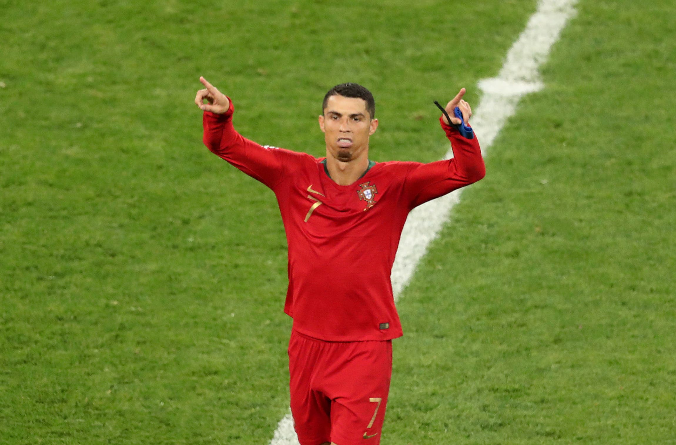 Ronaldo reacts to VAR referee (Reuters)