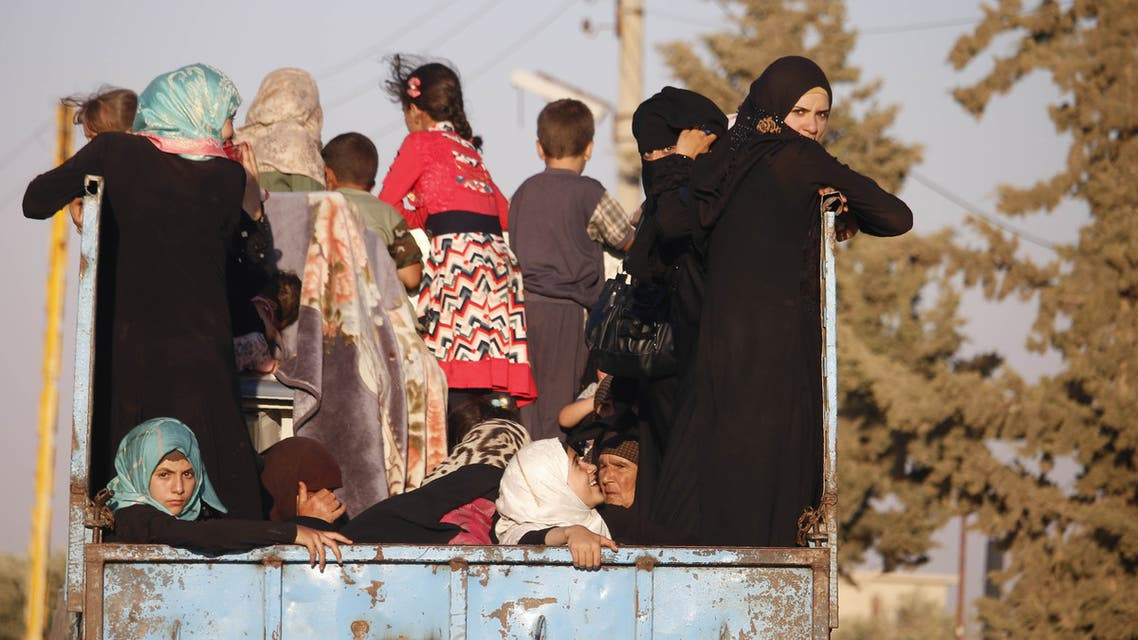 Syrian families return to their homes in towns and villages situated on the eastern outskirts of Daraa on June 6, 2018. The Syrian regime reached a ceasefire deal with rebels in the country's south, the official SANA news agency said.