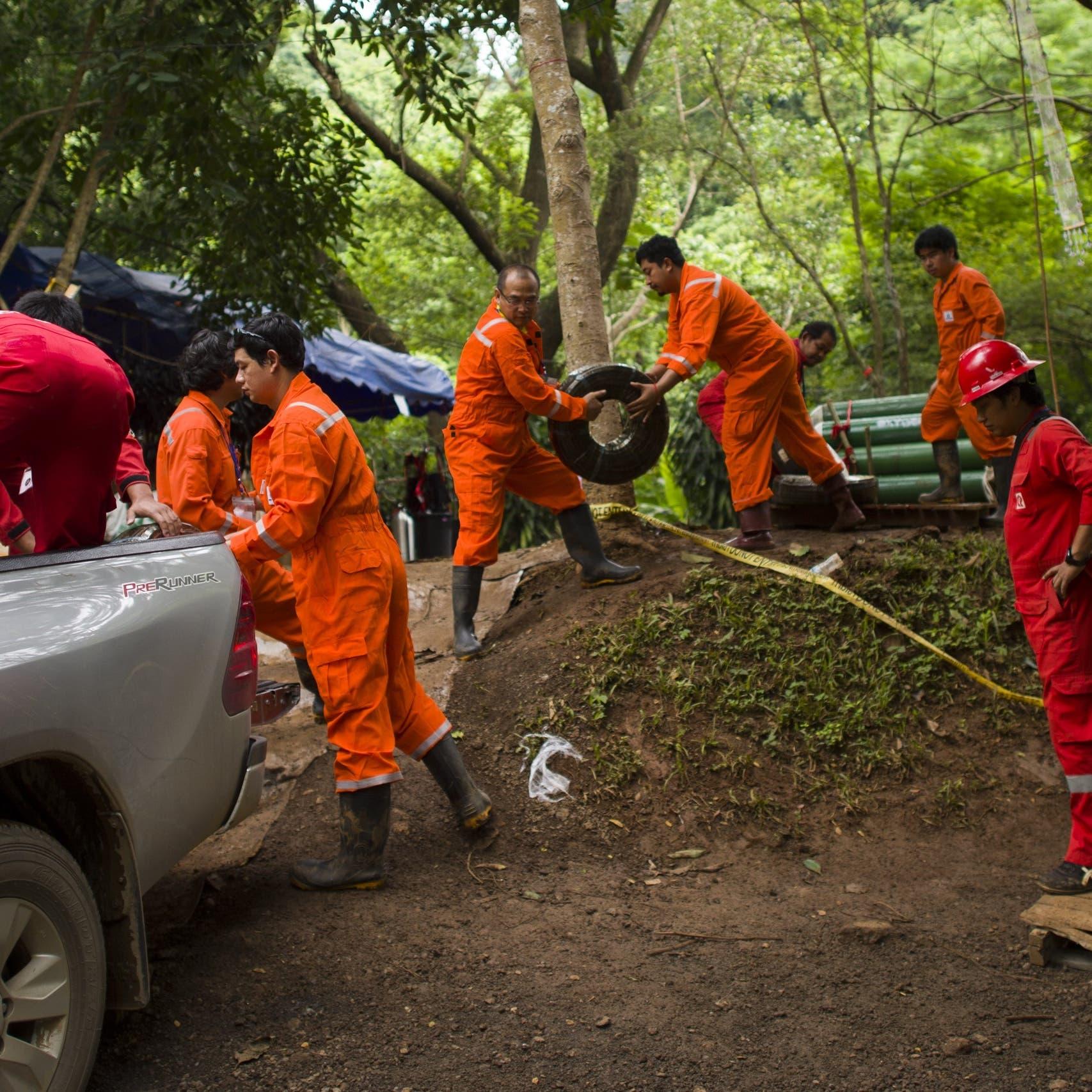 العمل لإنقاذ أطفال الكهف مستمر.. وأكثر من 100 عملية حفر