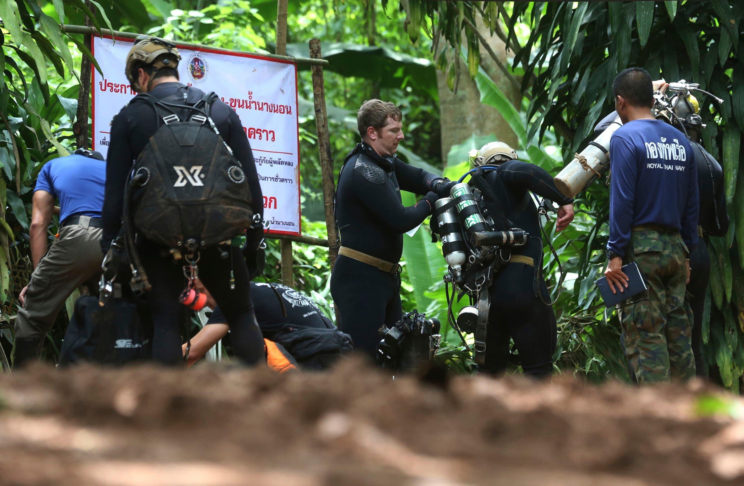 rescue mission underway thai cave (AP)
