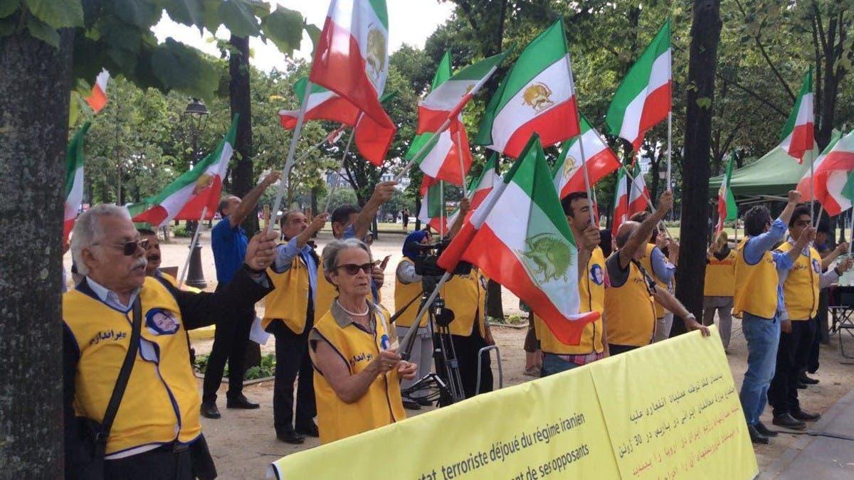 متظاهرون في باريس يطالبون بعدم تسليم أسدي