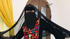 هكذا وثقت هذه الحسناء الإيطالية عشقها للصحراء السعودية