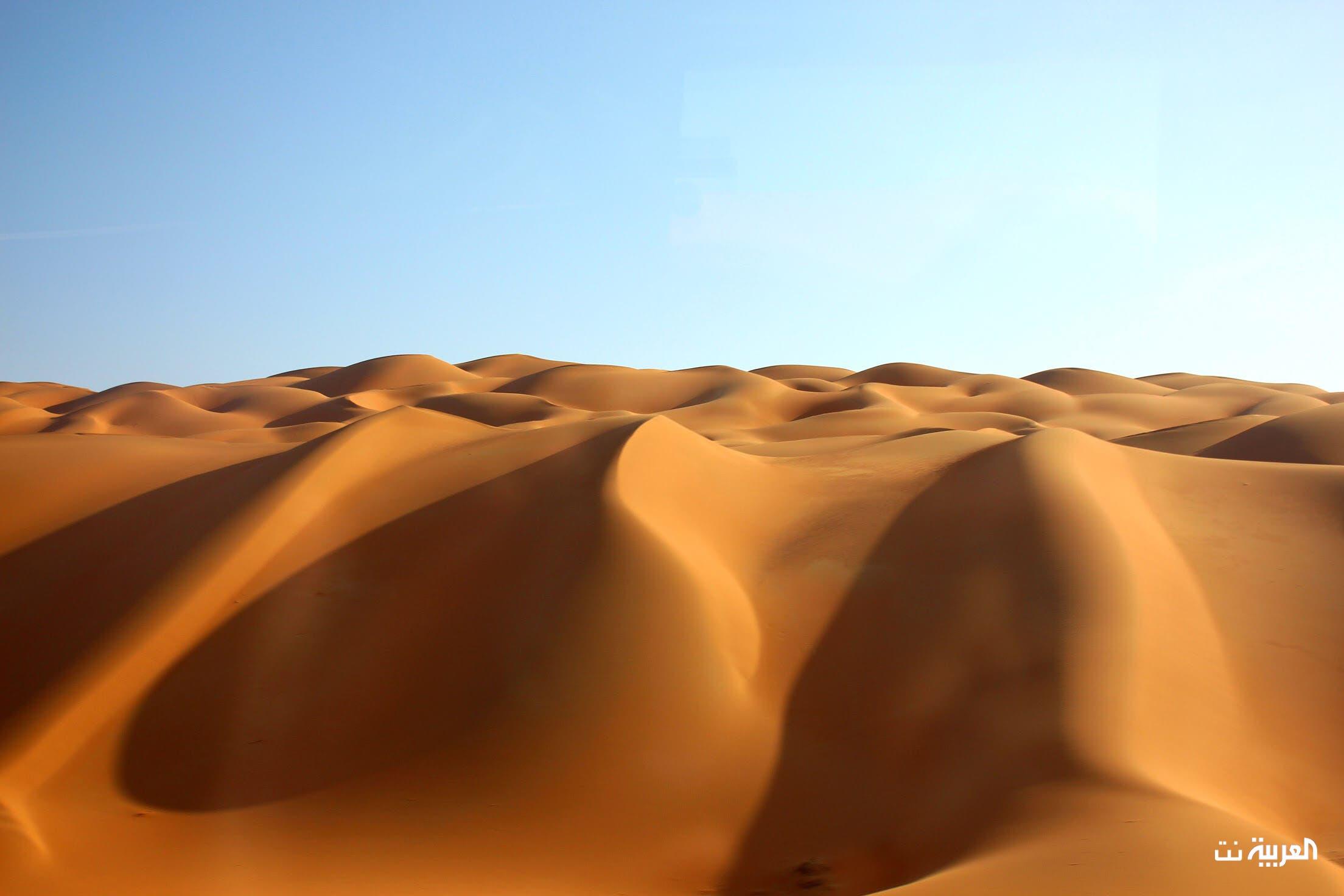 هدوء الصحراء وسحرها ينسيان كيارا وزوجها ضجيج المدينة