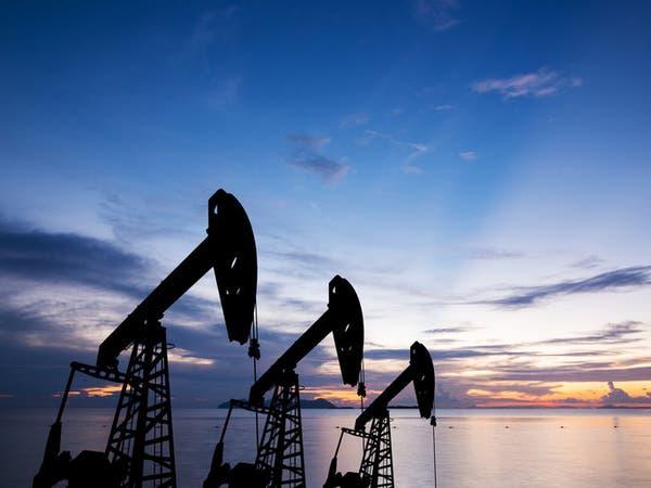 النفط يهبط دون 73 دولارا وسط مخاوف بشأن الطلب