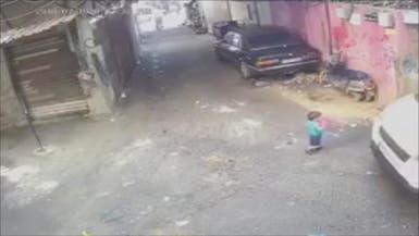 شاهد كيف نجا هذا الطفل من الموت دهساً في لبنان