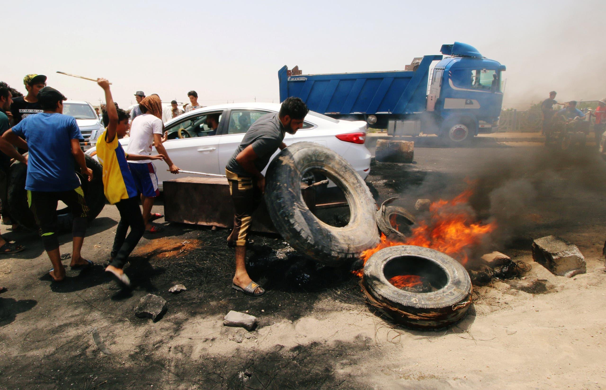 Iraq basra protests. (Reuters)