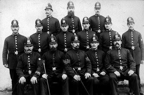 صورة لعدد من أفراد شرطة منطقة مانشستر سنة 1880