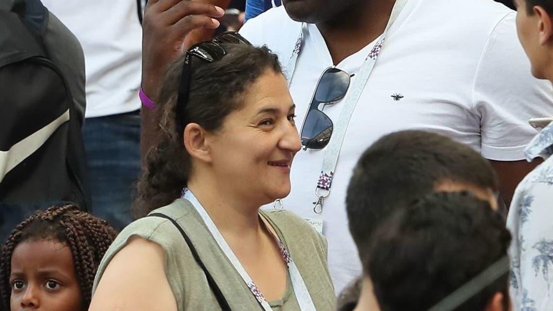 والدا كيليان في المدرجات خلال مباراة فرنسا والارجنتين في دوري الثمانية لكأس العالم