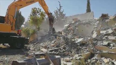 القدس.. فلسطينيون يهدمون منازلهم بأيديهم