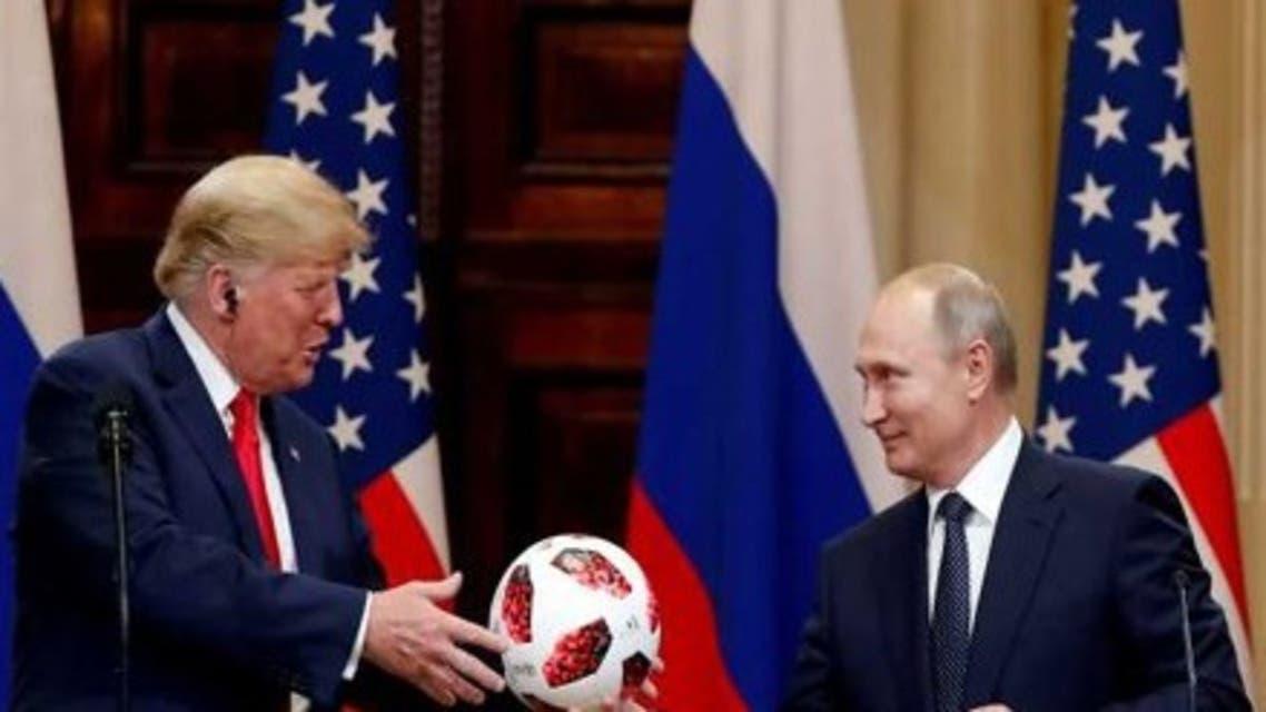 بوتين يهدي كرة من كأس العالم إلى ترمب