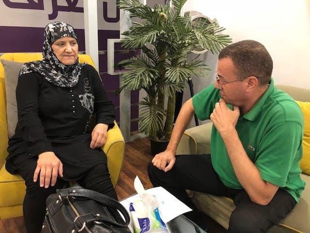 والدة منى المذبوح في لقاء سابق مع مراسل العربية