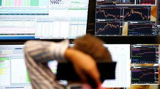 بيانات أوروبية مقلقة تلقي بظلالها على الأسواق