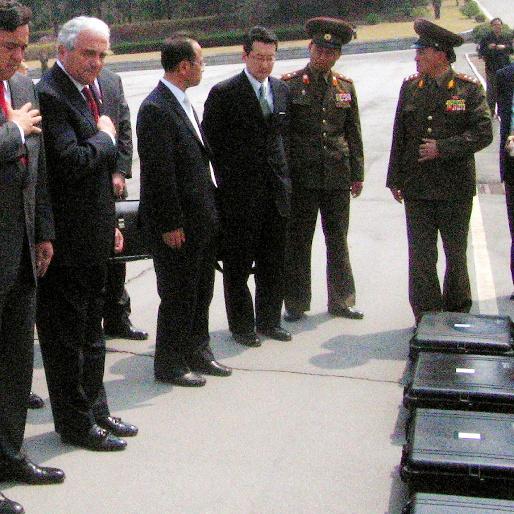 كوريا الشمالية تبدأ إعادة رفات الجنود الأميركيين