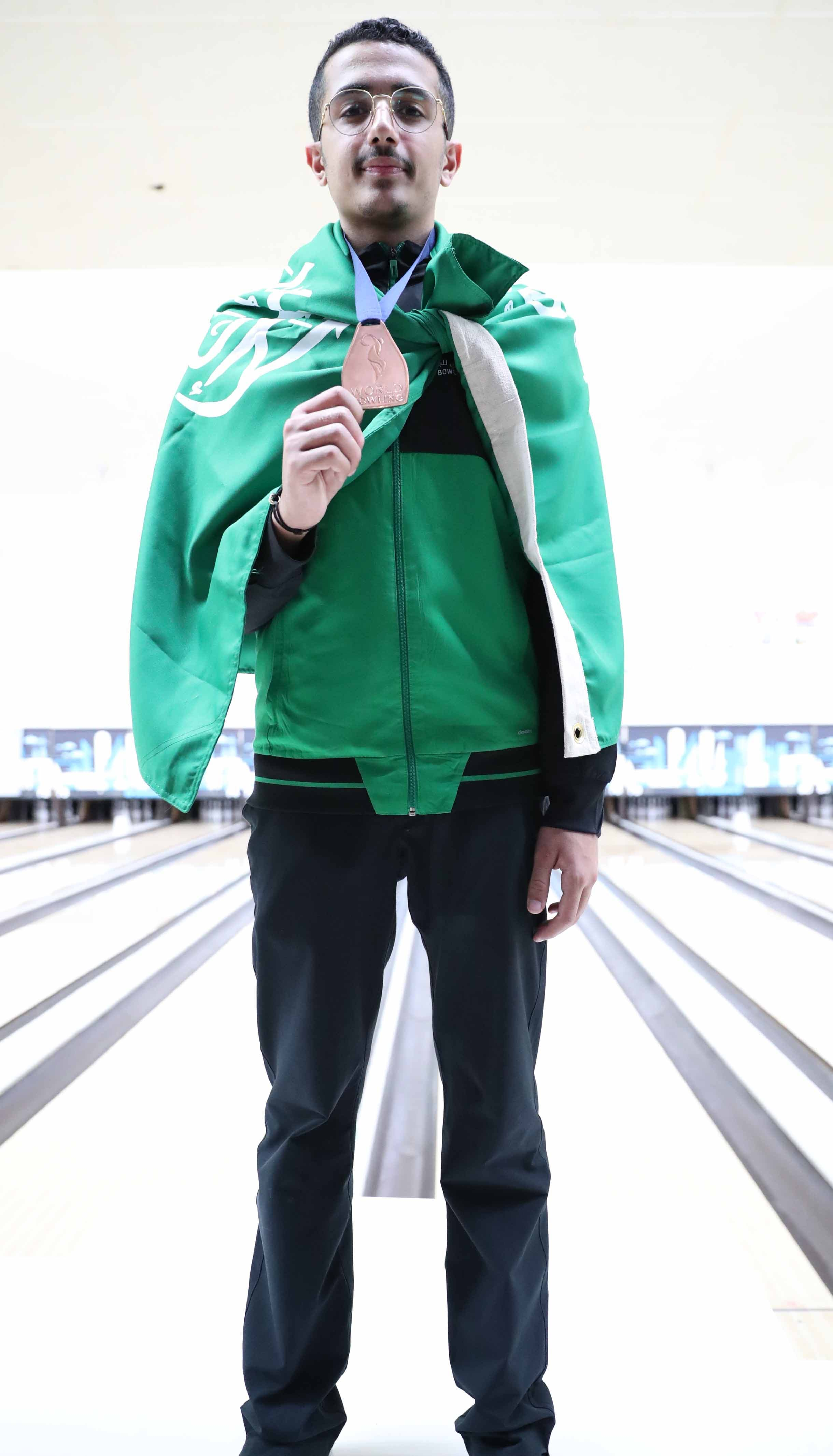 Saudi bowling champion tells Al Arabiya English: Football is the secret