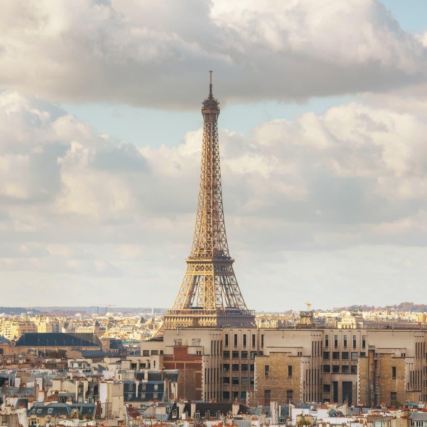 فرنسا: خطط لإلغاء إعفاءات ضريبية تفوق مليار دولار