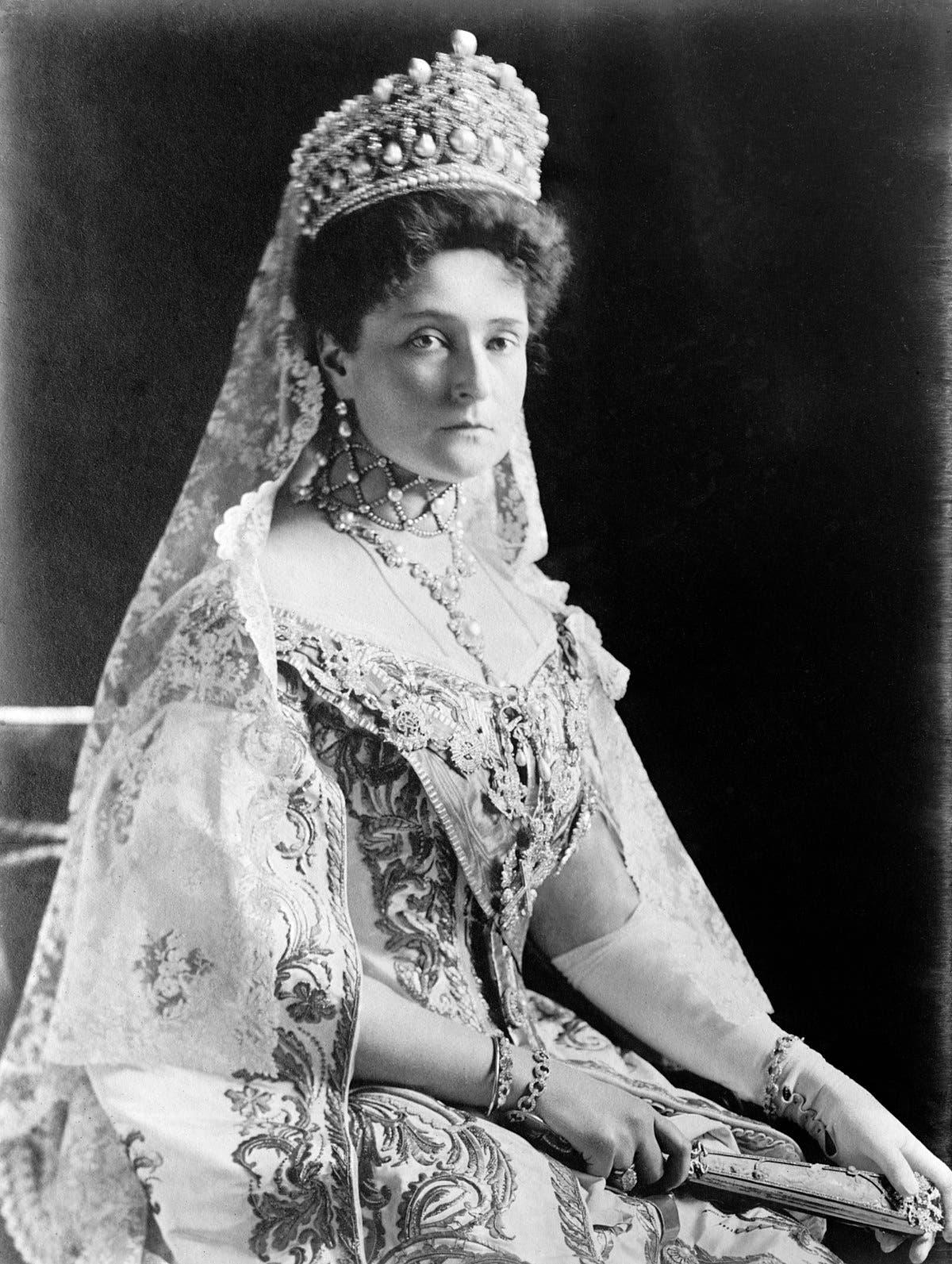 صورة لإمبراطورة روسيا ذات الأصول الألمانية ألكسندرا