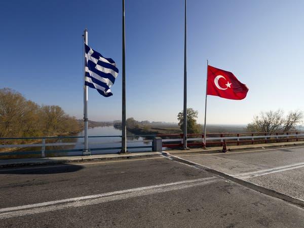 اليونان ترفض تسليم تركيا صحافياً.. وتمنحه اللجوء