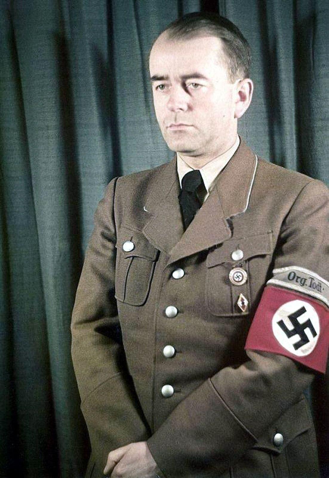 صورة لوزير الإنتاج الحربي الألماني ألبرت شبير