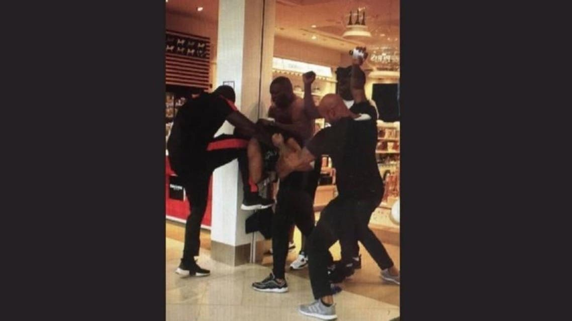 The beef between Booba and Kaaris at Orly airport kicked off on Wednesday in a departures hall packed with holidaymakers. (@ReggaetonHero)
