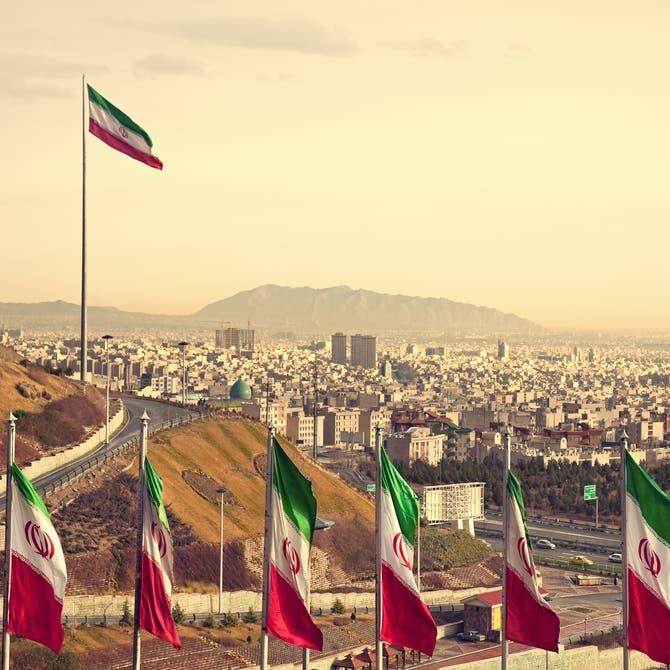 أول تأثير للعقوبات.. 100 شركة عالمية تغادر إيران