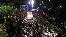 Thousands mourn as revered Indian leader dies