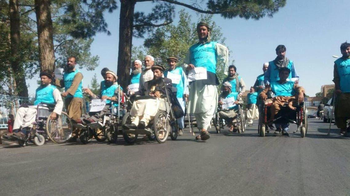 معلولان هرات برای تأمین صلح با پای پیاده راهی کابل شدند