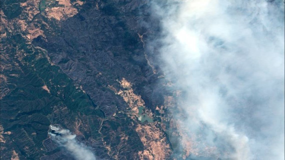 صورة بالقمر الصناعي لمنظر عام لحريق (مندوسينو كومبليكس) في كاليفورنيا يوم 6 أغسطس