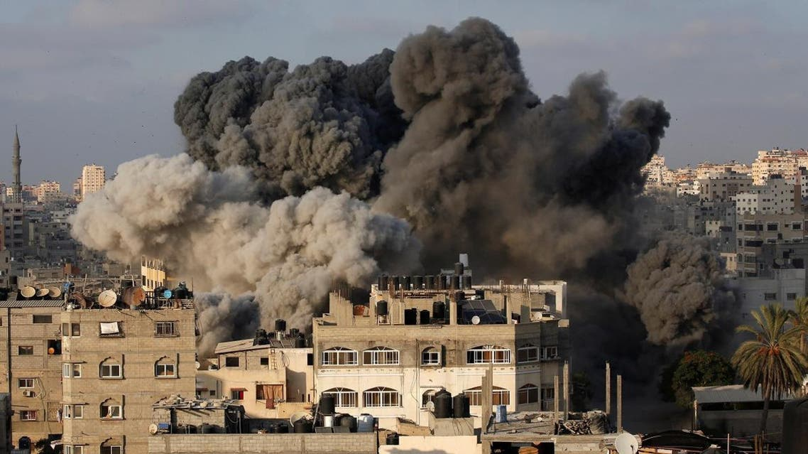 Smoke rises after an Israeli aircraft bombed a multi-storey building in Gaza City August 9, 2018. (Reuters)