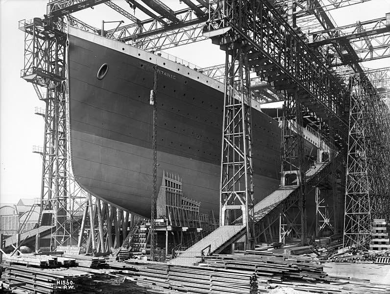 صورة لسفينة التيتانيك أثناء فترة صنعها