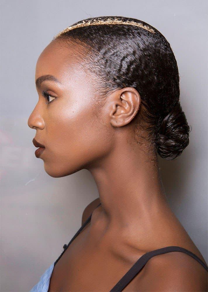 8525eb84 d9cc 4579 8eff 31f7c6033103 كيف تسرحين شعرك الأشعث؟ أفضل تسريحات يوصي بها خبراء الجمال؟