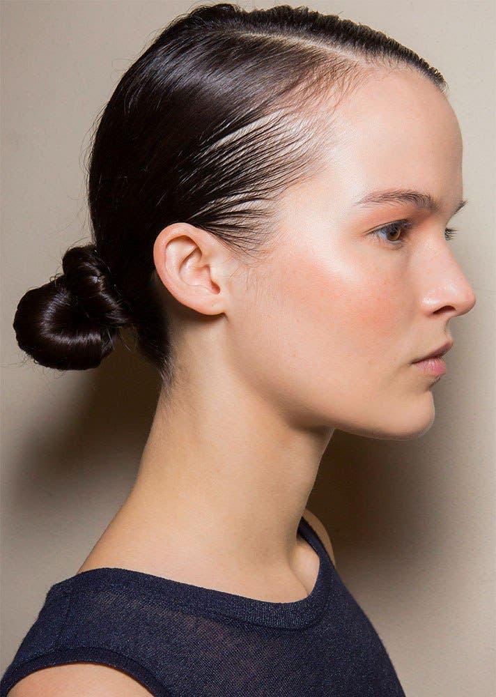 cbaa712d b548 4f0c a215 c2efa3542e2a كيف تسرحين شعرك الأشعث؟ أفضل تسريحات يوصي بها خبراء الجمال؟
