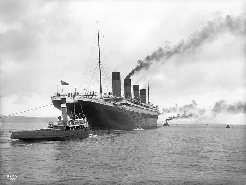 صورة لسفينة التيتانيك عقب مغادرتها لبلفاست